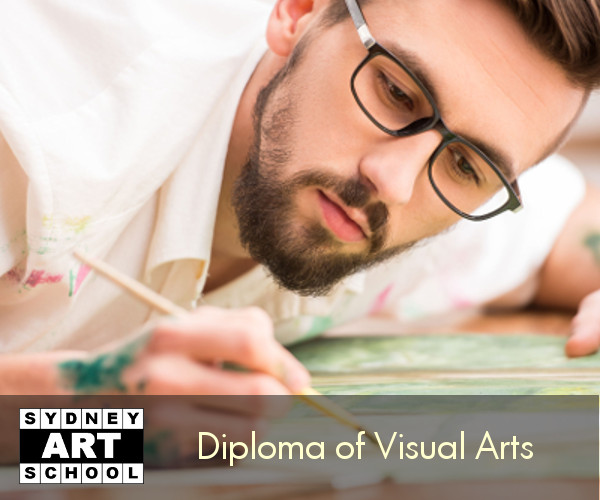 diploma of visual arts student 600x500